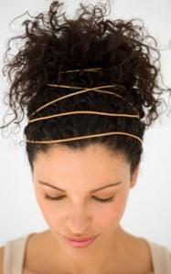 кудрявые волосы с лентами