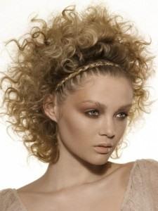 кудрявые волосы и косички