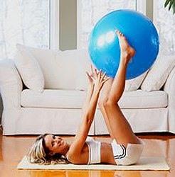 упражнения лежа с фитболом
