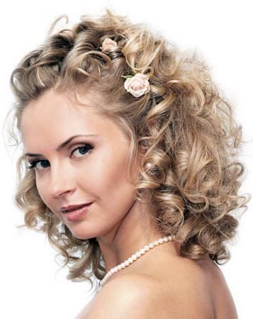 Причёски на средние волосы в домашних