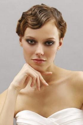 женская стрижка в стиле ретро