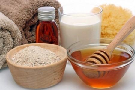 Маска с медом и масками для тела