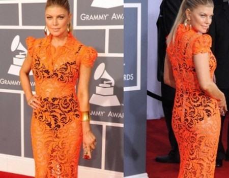 Кружевное платье оранжевого цвета