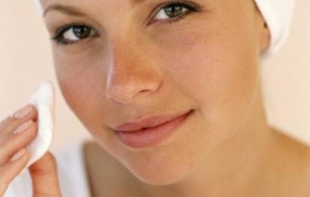 Каковы причины жирной кожи